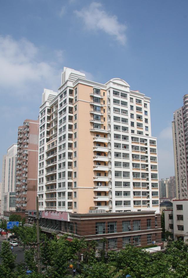 研究生公寓大楼.jpg